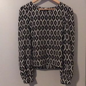 Alice&You size12 Black and White print top.